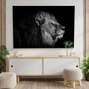 Textile frame - Lion's head in the dark (id14).